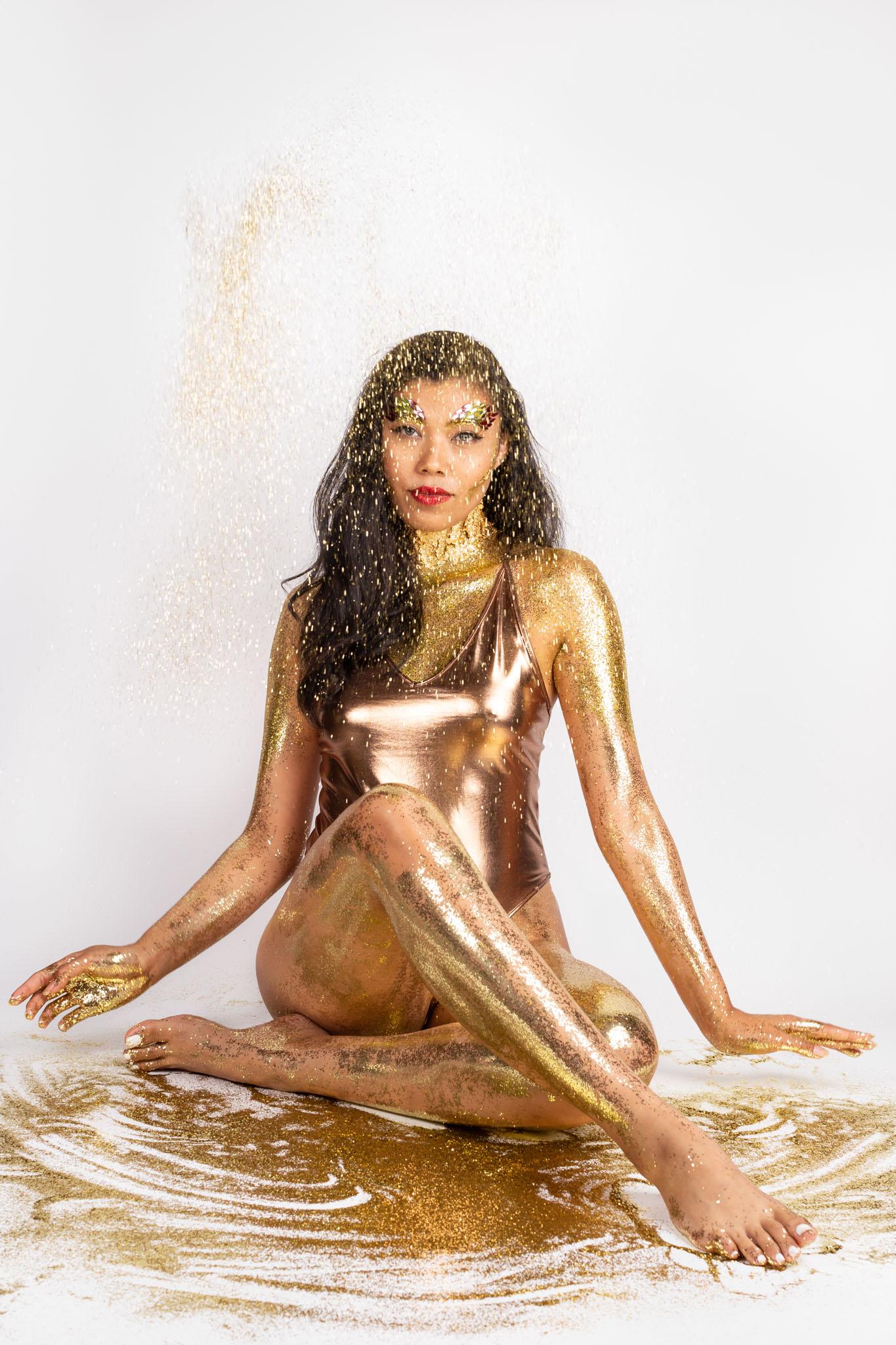 glitter bodypaint